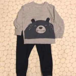 Carter's/Oshkosh boys Sweat pants & shirt bear set
